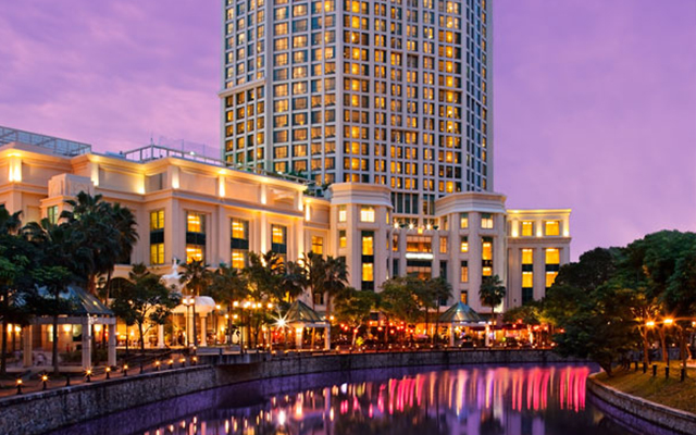 Grand Copthorne Waterfront Hotel Facade